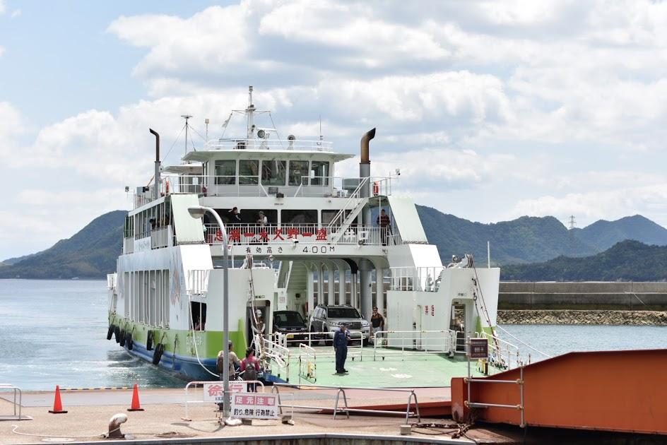 忠海港のフェリー