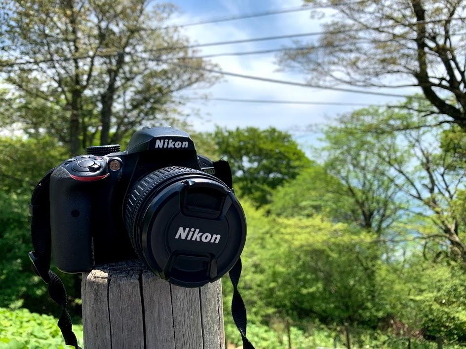 山頂でカメラを使う