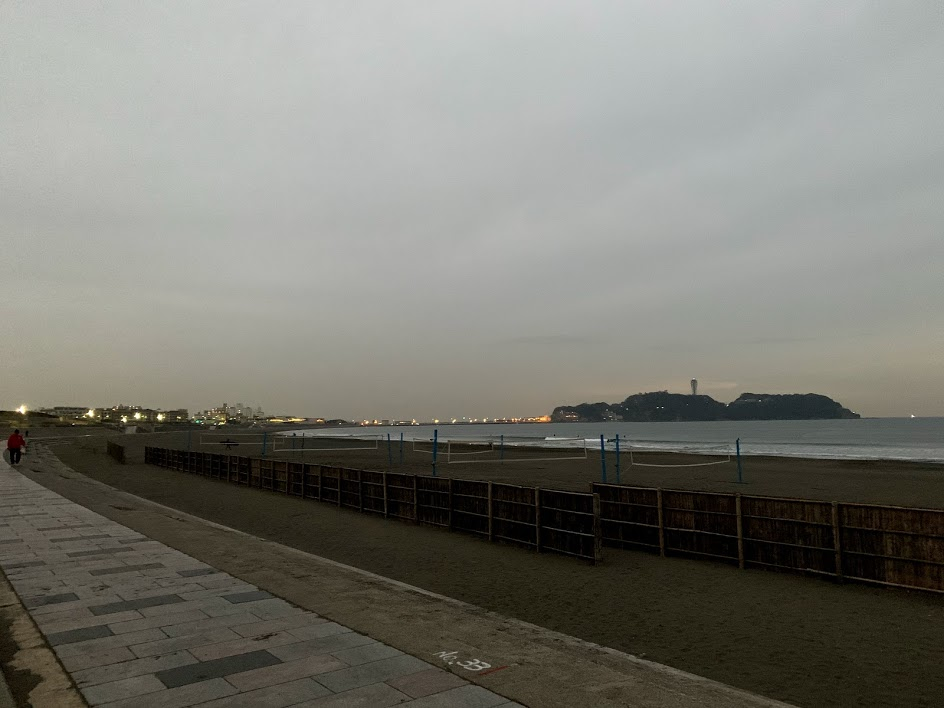 鵠沼海岸の朝